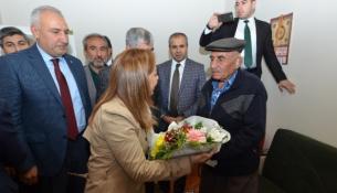 Yeşilyurt Belediyesi 'Baştacı' Projesiyle Evde Yaşlı Bakım Hizmeti Veriyor