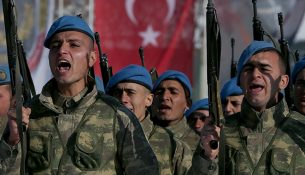 Öğrencilerden Kayseri'deki askerlere moral mektubu