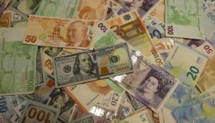 Vatandaş her 100 liralik tasarrufun 55 tl 'sini döviz hesabında tutuyor