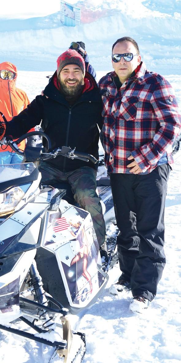 Engin Altan Düzyatan Kar motoruyla şov yaptı