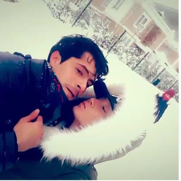 İsmail Hacıoğlundan eşine öpücük yağmuru