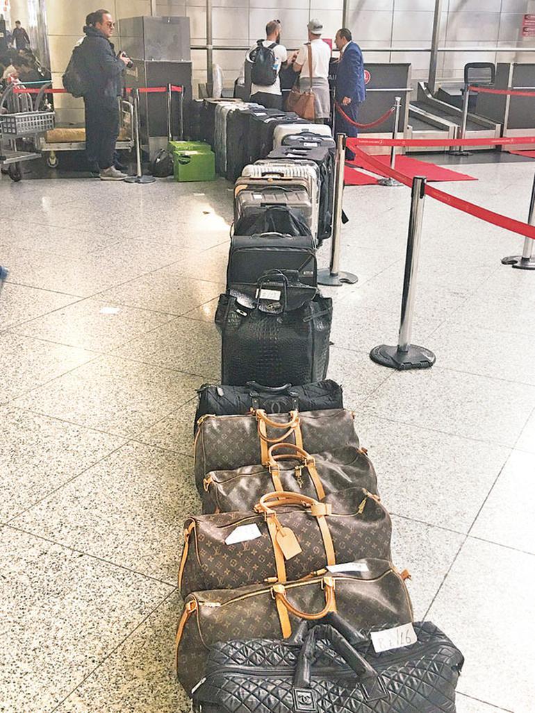 560 kilo bagaj fazlasıyla yola çıktılar