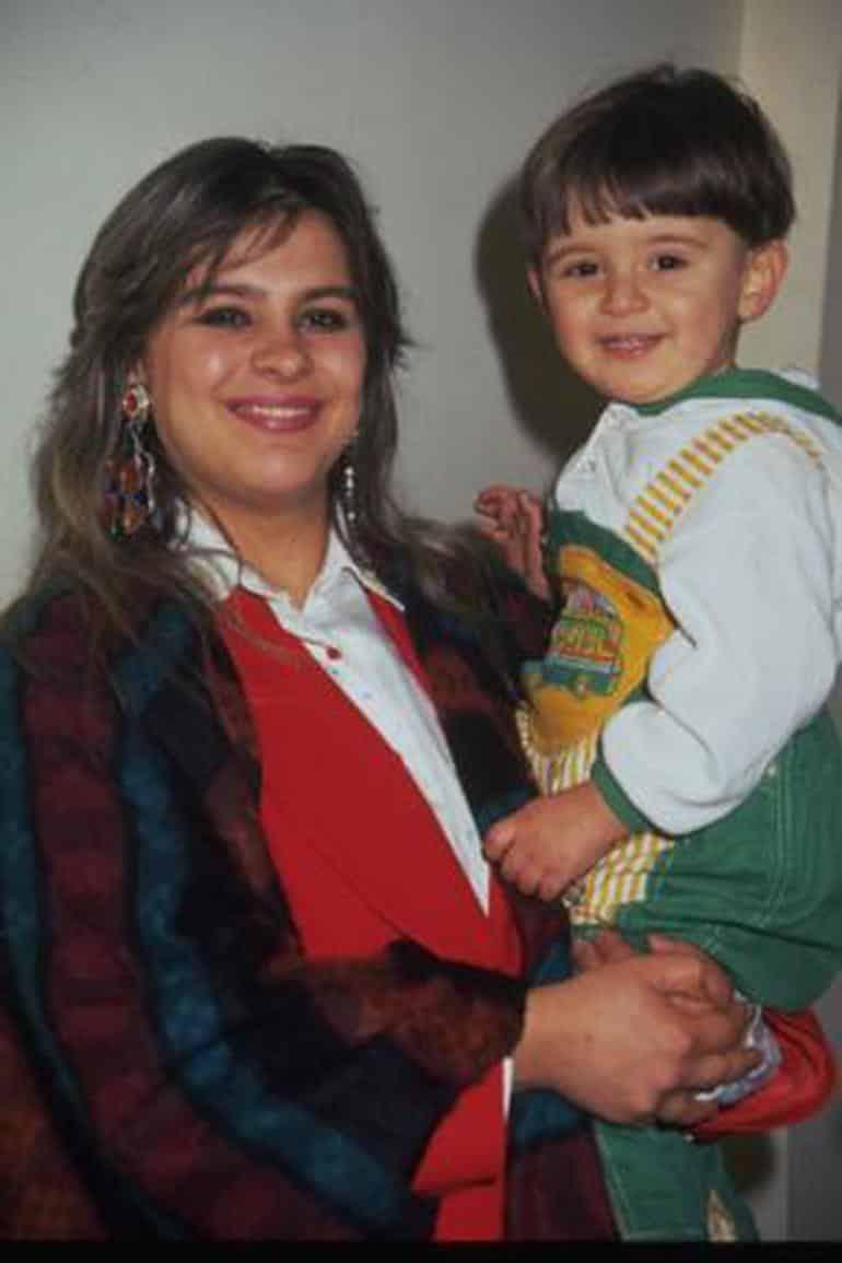Emrahın oğlu Tayfun: Babam beni akıl hastanesine götürdü