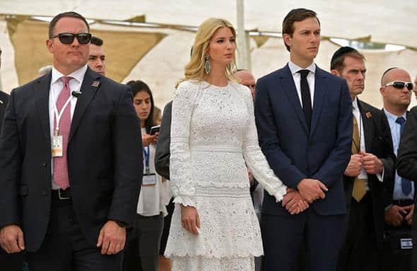Biri Başkanın kızı öteki de eltisi