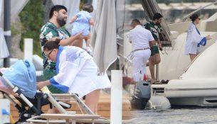 Ebru Yaşar ikizleriyle tatilde!